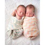 Ngủ cũng phải có đôi có cặp, cưng quá!